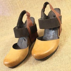 OTBT Wedge Sandals  6.5